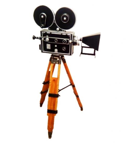 Ретро-кинокамера в аренду для съемки и реквизита